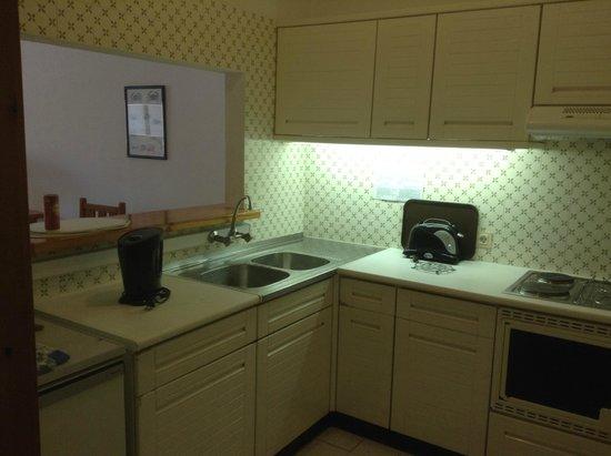 Hotel Almar : Kitchen area