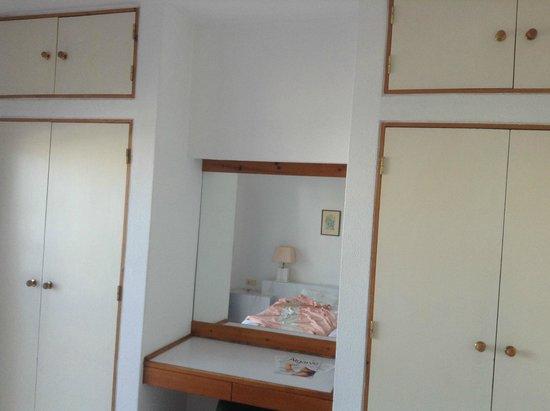 Hotel Almar : Bedroom