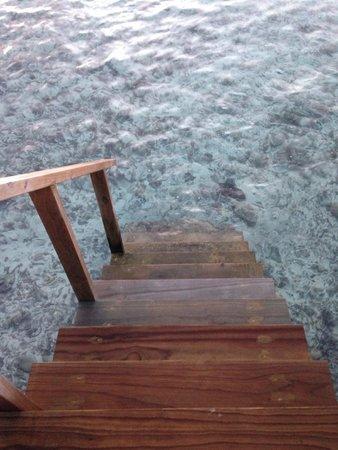 Velassaru Maldives: Entrance to ocean from Room
