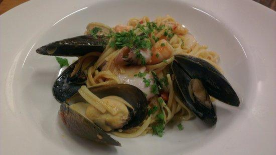 Cranky Cafe: seafood linguine