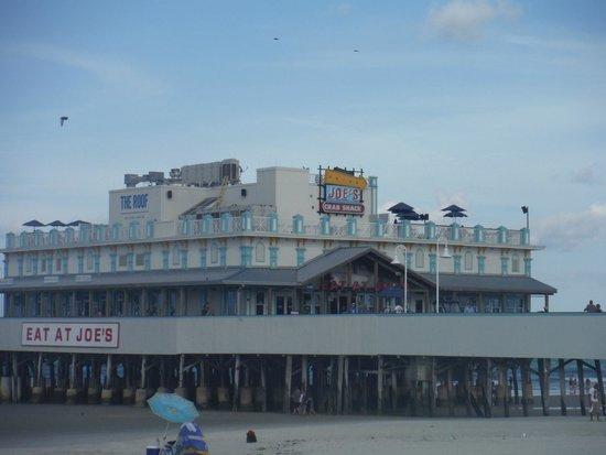Joe's Crab Shack: from the beach