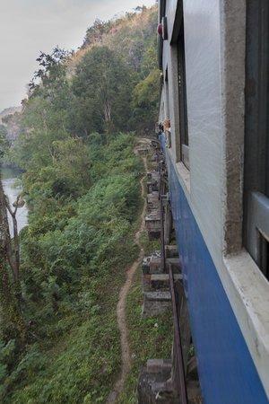 Thai-Burma Railway (Death Railway): Vue du train