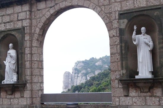 Barcelona Turisme - Afternoon in Montserrat Tour: View to die for