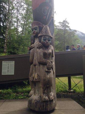 Totem Heritage Center: Totem