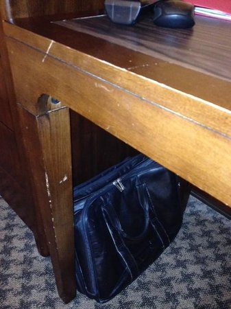 Hilton Alexandria Mark Center: Furniture-2