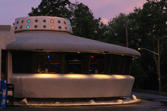 Flying Saucer Drive-In: Restaurant Front