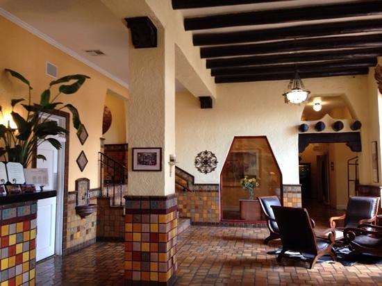 Hotel El Capitan lobby
