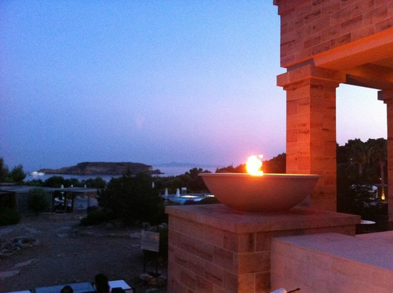 Cape Sounio, Grecotel Exclusive Resort : fire and view