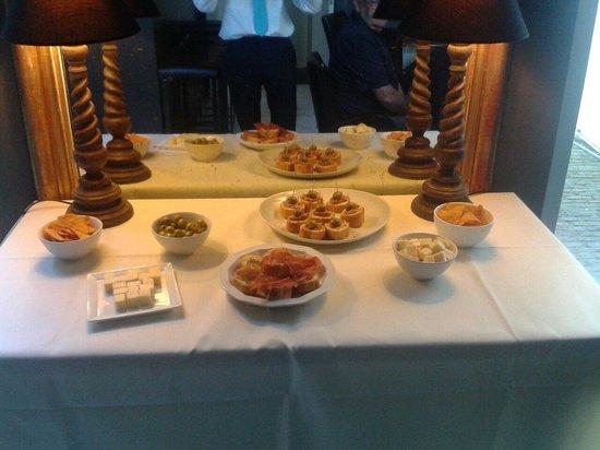 Hotel Gravensteen: Free tapas at saturaday