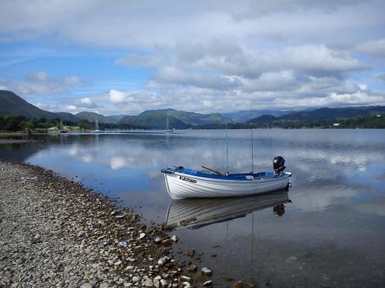 Park Foot Holiday Park: Easy launching for fishing boats.