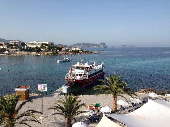 Las Arenas Hostal : De veerboot naar Formentera vertrekt pal voor de deur, lekker makkelijk!!