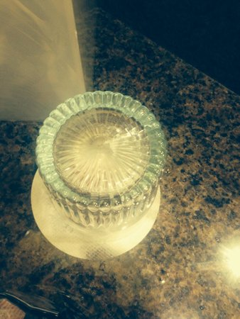 """Atlanta Marriott Buckhead Hotel & Conference Center: Dried toothpaste @ the bottom of """"clean"""" glass located in bathroom ��"""