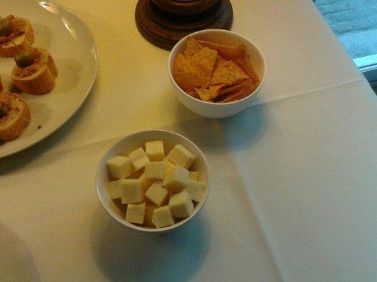 Hotel Gravensteen : Free tapas at saturday