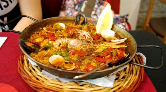 Via 70: Paella di pesce