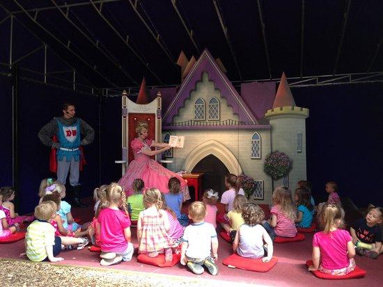 Dutch Wonderland : Story time
