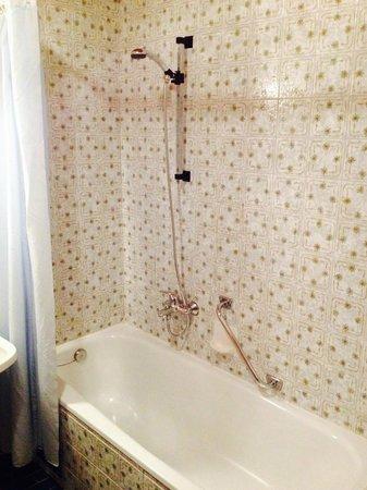 Haus Almfrieden: Bad in Zi 107