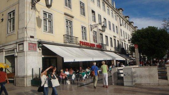 Rossio Square: Praça de D. Pedro IV , Pastelaria Suiça