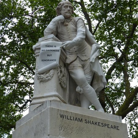 ‪Shakespeare Monument‬