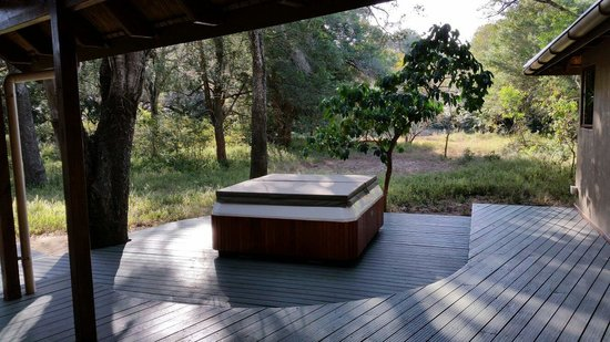 Bushwillow Collection: A Jacuzzi in the bush :-) who could ask for more !!!