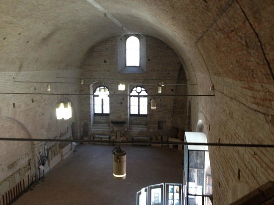 Palazzo dei Consoli Museo Civico: Volta dell'ingresso del palazzo