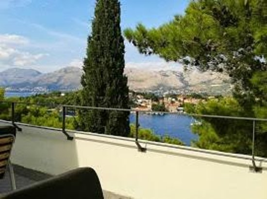 Hotel Croatia Cavtat : View from a Restaurant