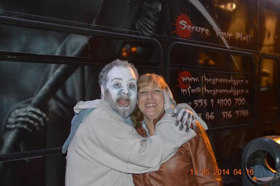 The Gravedigger Bus Tour : Wife and one of the actors!Great cast!!