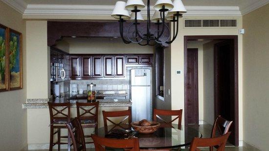 Pueblo Bonito Sunset Beach: Suite 2062 Kitchen