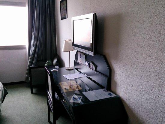Idou Anfa Hotel : tele ancienne