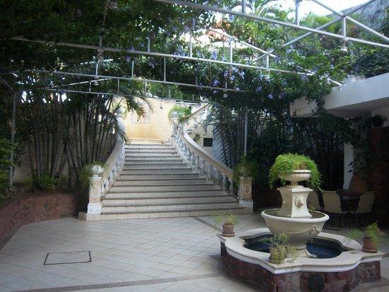 Premier Hill Suite Boutique : outdoor bbq