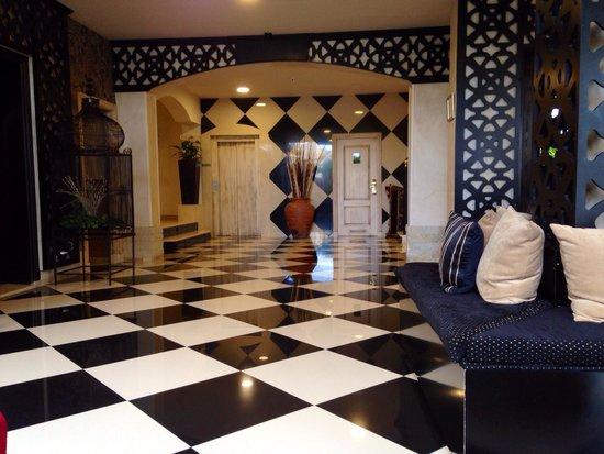 Green Garden Resort & Suites : Reception area