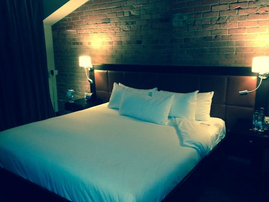 Hotel Place d'Armes: Felt like sleeping on a cloud...