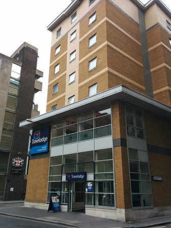 Travelodge London Liverpool Street: Entrance