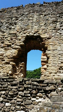 Wepre Park: Castle