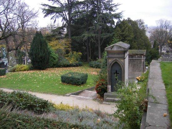 Friedhof Père-Lachaise (Cimetière du Père-Lachaise): Поляна