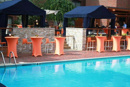 Providence Marriott Downtown: AQUA - Providence's Only Poolside Lounge