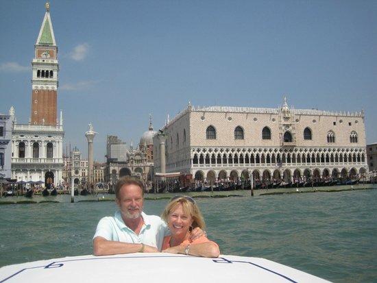 DiscoveringVenice -  Walking Tours: Linda & Ole Olsen of South Africa