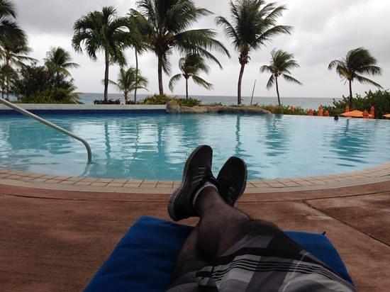 Hilton Barbados Resort: poolside