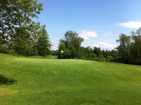 Rolling Meadows Golf & Country Club
