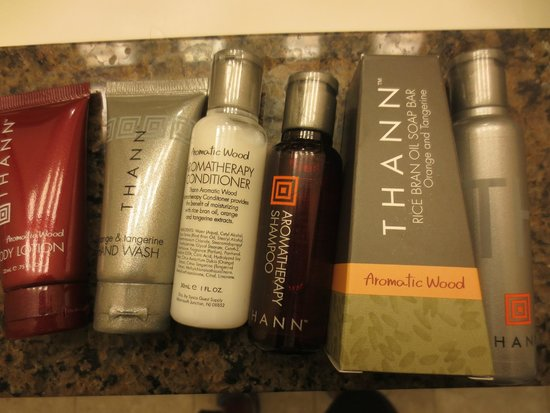 Houston Marriott Medical Center/Museum District: Bath products.
