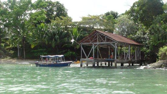 Popa Paradise Beach Resort : Beach
