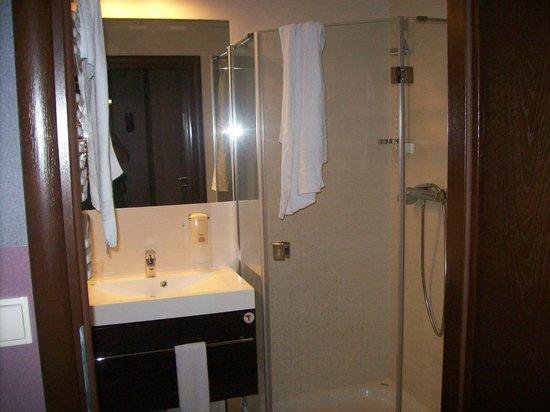 Hotel Swing: Salle de bain