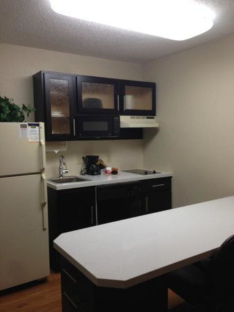 MainStay Suites : Newly renovated Kitchens