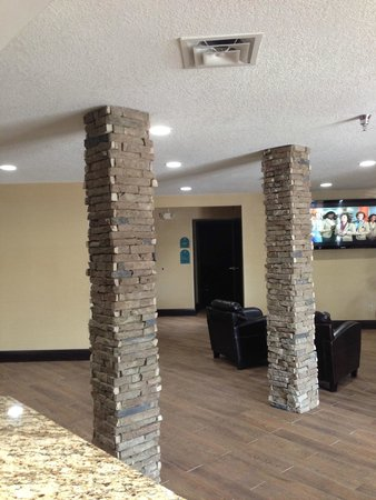 MainStay Suites : Lobby