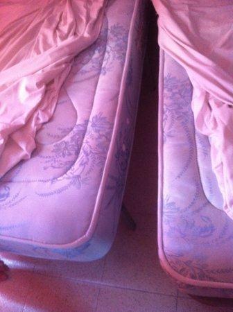 Blue Sea Los Fiscos: beds