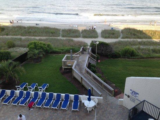 Ocean Park Resort, Oceana Resorts: access to the beach