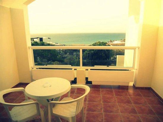 Ambar Beach Resort & Spa: Vue de la chambre.