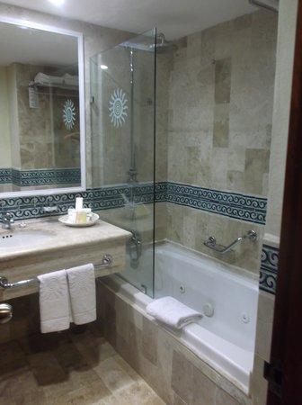 Luxury Bahia Principe Akumal Don Pablo Collection: Bathroom