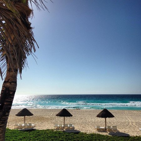 Grand Oasis Cancun: Vista da sacada do quarto