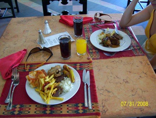 Sonesta Club : Обед