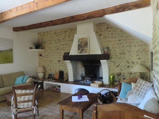 L'Ecole Buissonniere Provence : Guest's lounge.